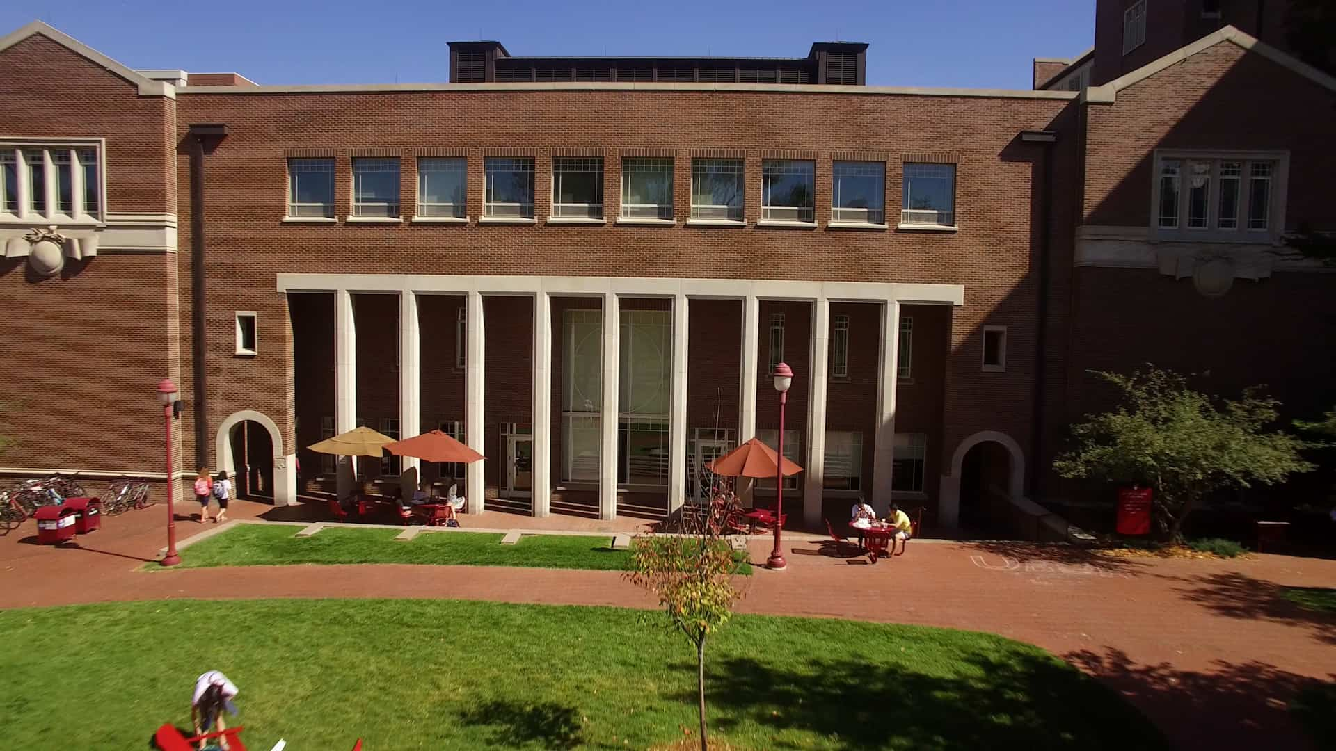Daniels Fund Ethics Competition Features 8 Business Schools